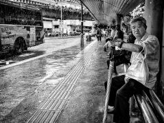 I väntan på bussen